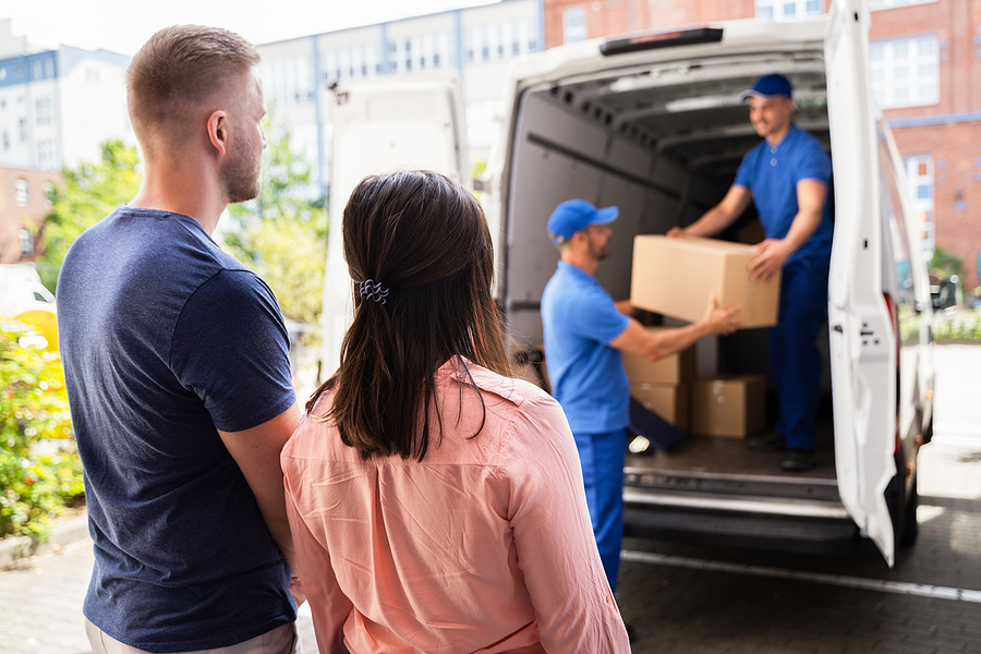 Couple hired professional removalists in Liverpool to help them with their move